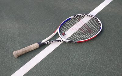 """""""Transition from the baseline zone to the net: The importance of handling the racket properly"""""""